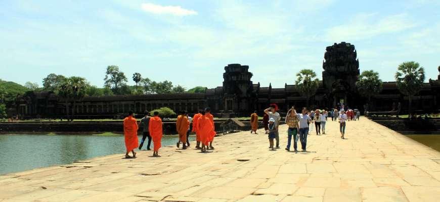 Monjes budistas en Angkor Wat