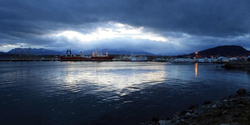Ushuaia durante una noche blanca