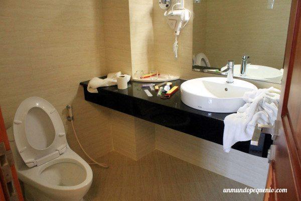 Baño del Gia Vien Hotel