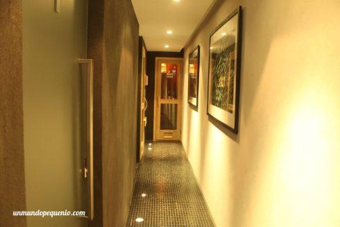 Al final del pasillo están los dos saunas