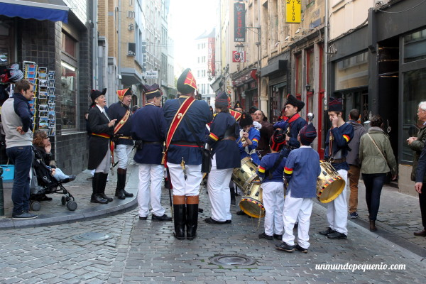 Banda musical cerca de la Grand Place