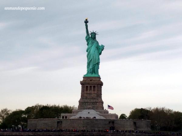 estatua-de-la-libertad-de-cerca
