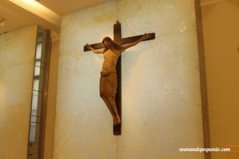 Cristo en la cruz (1300-1500)