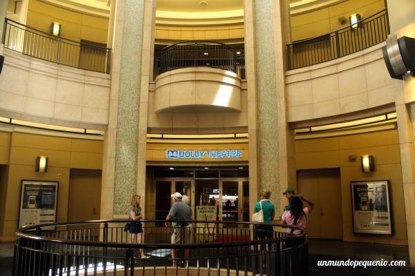 Entrada al Teatro Dolby