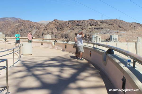Balcón observatorio fuera del Centro de Visitantes Hoover Dam