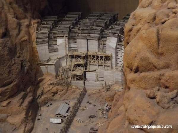 Maqueta de la presa Hoover durante su construcción