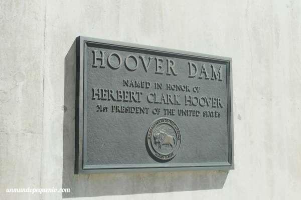 Placa en honor a Herbert Hoover