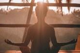 Líderes cristianos advierten sobre los peligros del yoga y elogian la práctica de la meditación