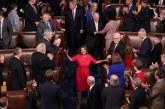 Sí, los demócratas han eliminado «Así que ayúdame Dios» de los juramentos del comité de la Cámara de Representantes