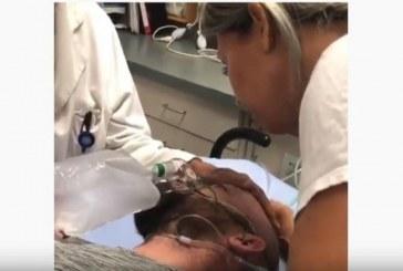 Hombre que estaba muerto vuelve a la vida en lágrimas gritando: «Dios es lindo»  (VIDEO)