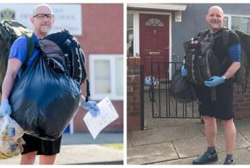 Profesor camina 8 kilómetros diariamente para entregar comida y tareas a sus alumnos