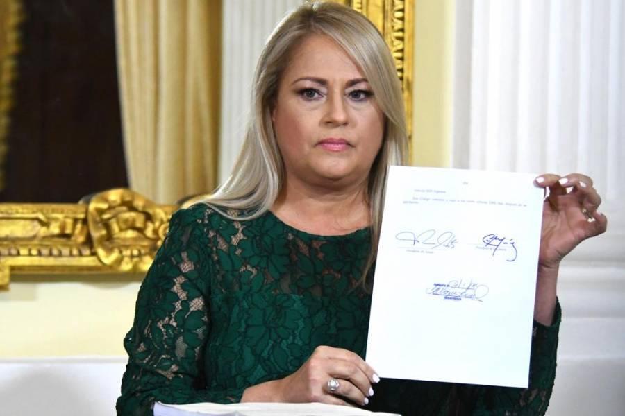 Gobernadora de PR convierte en ley el nuevo Código Civil