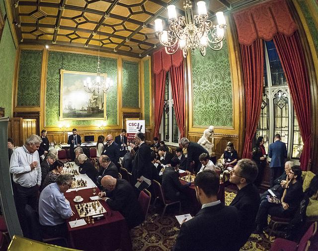 scacchi-al-parlamento-inglese