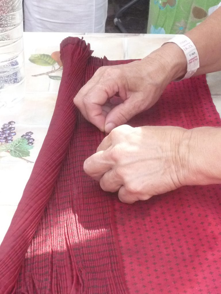 hand_pleating_peasant_skirts
