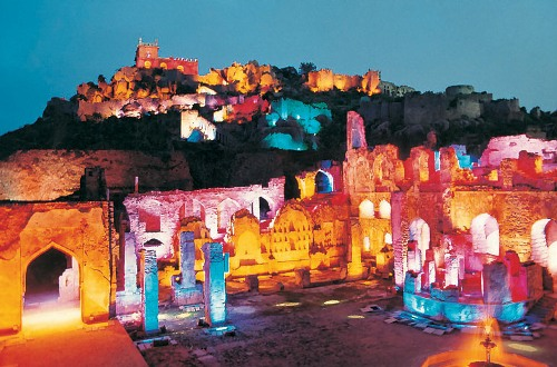 Golconda-Fort-at-Night