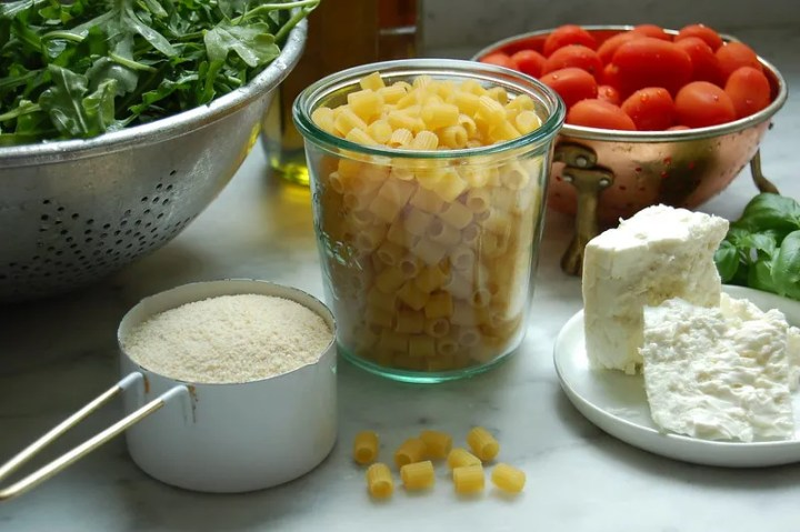 salad ingredients ditalini cheese feta arugula tomato