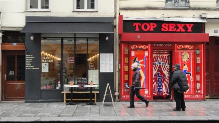 Café MADAM, Rue Saint Denis