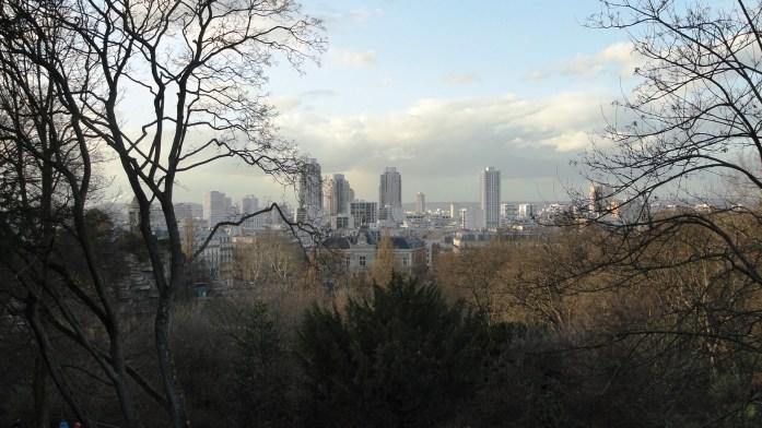 Parc des Buttes Chaumont, Paris 19e - Vue sur le 19e