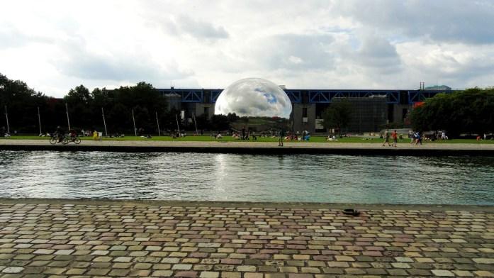 Canal de l'Ourcq - Paris - Parc de la Villette - La Géode