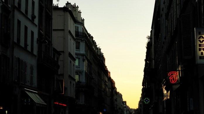 Balade le long de la Petite Ceinture (17e et 18e) - Quartier des Batignolles, rue Lemercier