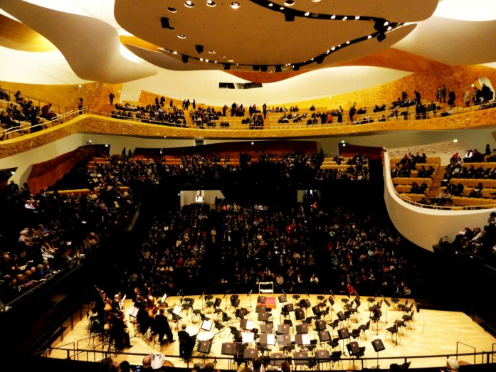 L'absence - Un concert à la Phailharmonie