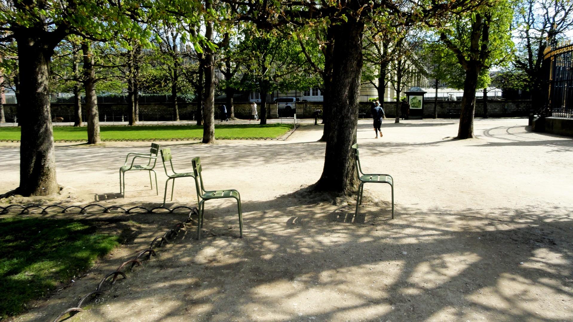 Le printemps au Jardin du Luxembourg  Un petit pois sur dix