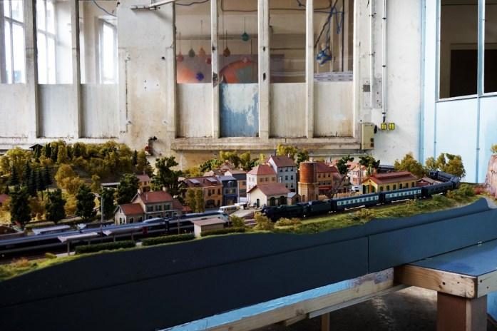 Grand Train - Paris 18e, rue Ordener