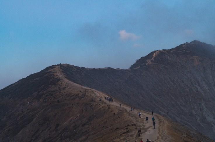 Kawah Ijen - chemin menant au cratère