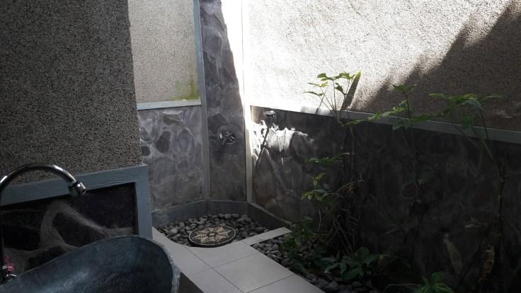 Salle de bain à ciel ouvert - Pemuteran