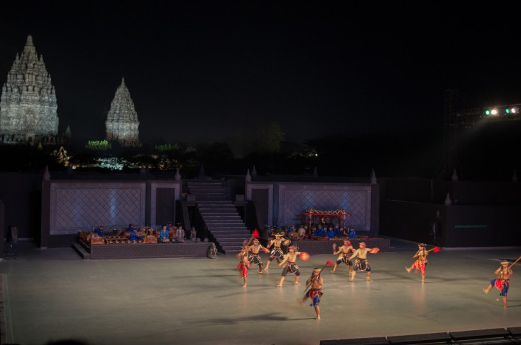 Ballet Ramayanaavec Prambanan pour toile de fond