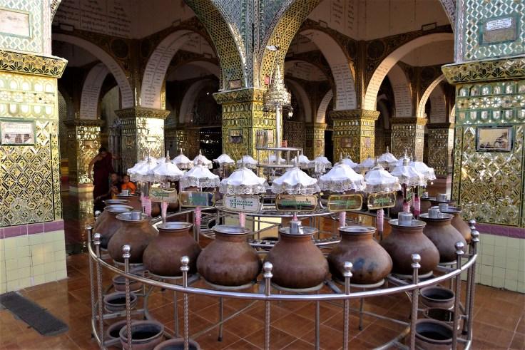 Myanmar - Mandalay - Su Taung Pyae Pagoda