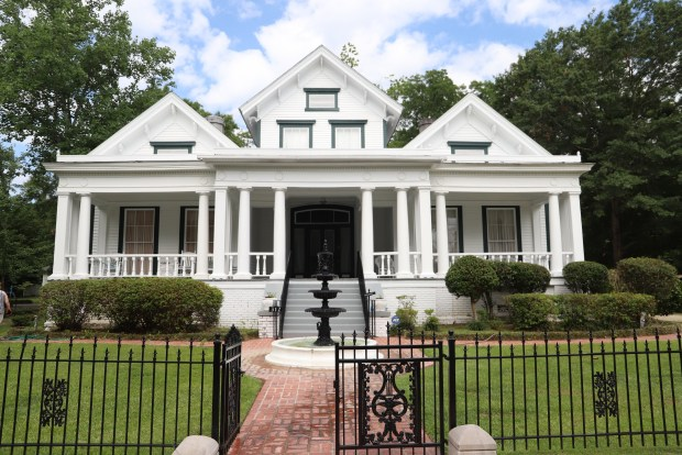 """Historic Homes from 'Sweet Home Alabama"""""""