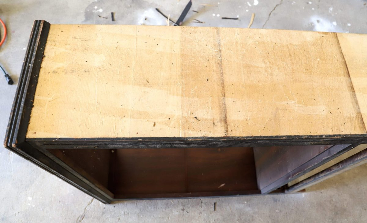 How to remove an old wood veneer