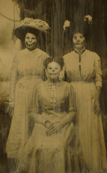 Smiling_Bitches_by_MyVictorianSecret