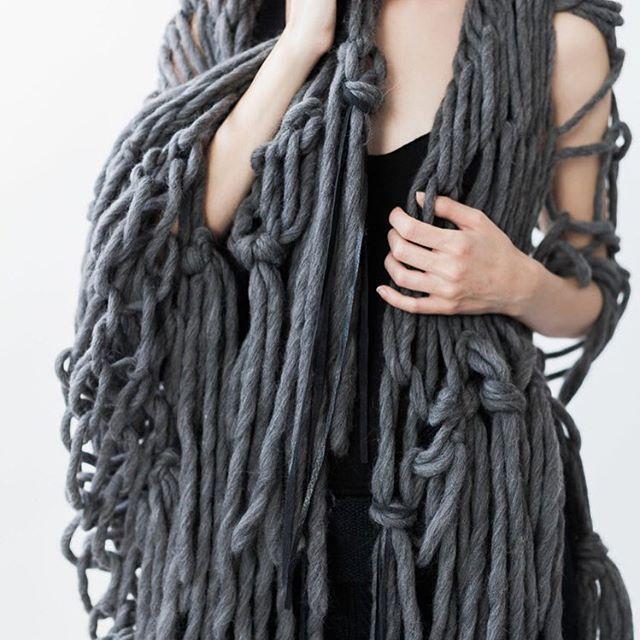 Shapeshifter-shawl