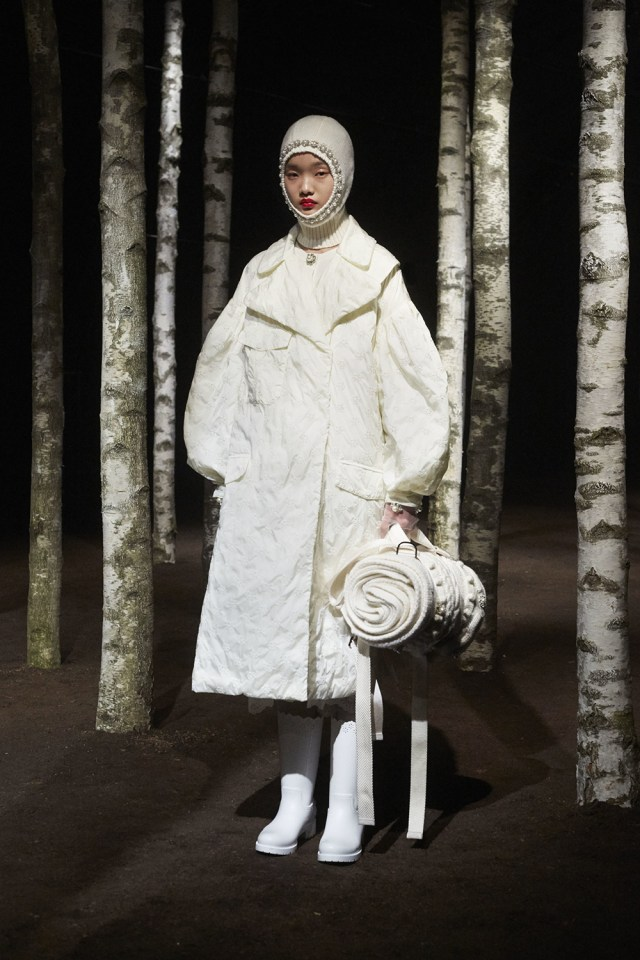 00002-MONCLER-SIMONE-ROCHA-2019-READY-TO-WEAR
