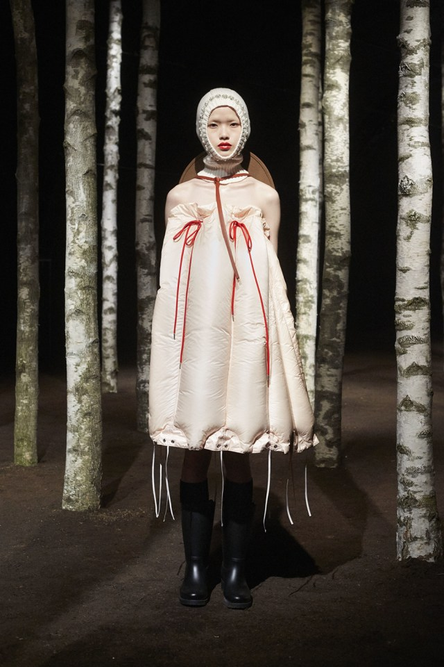 00006-MONCLER-SIMONE-ROCHA-2019-READY-TO-WEAR