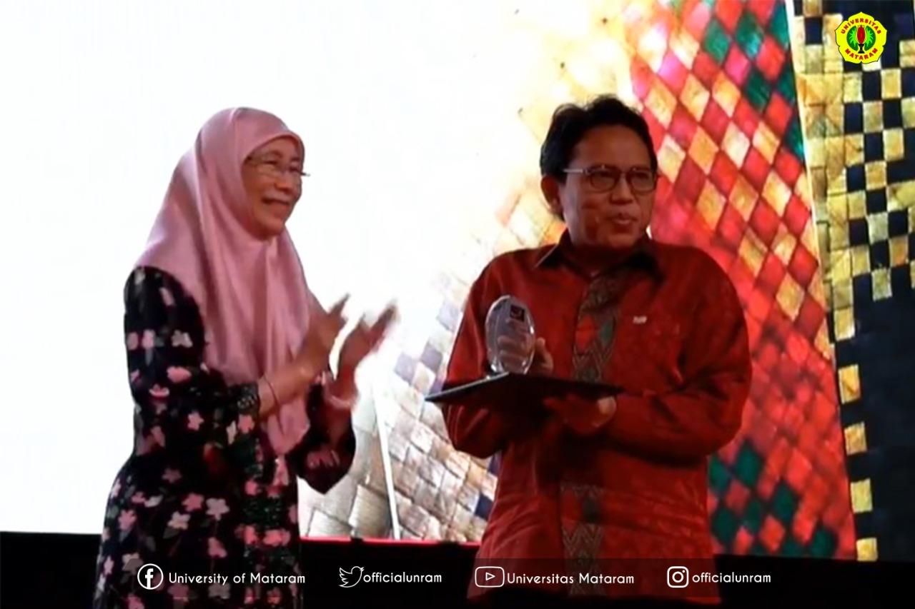 Unram Terima Penghargaan dari Wakil Perdana Menteri Malaysia