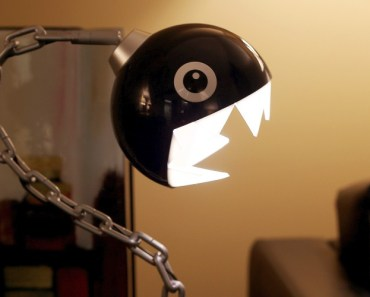 10 Awesome Geek Themed Book Lights