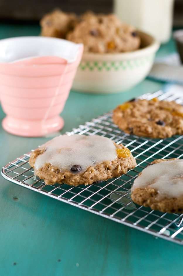 Iced Oatmeal Cookies An Unrefined Vegan