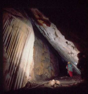 Trabajando en la cueva