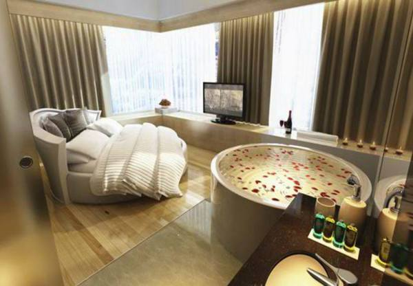 Suite Room at Bay Hotel