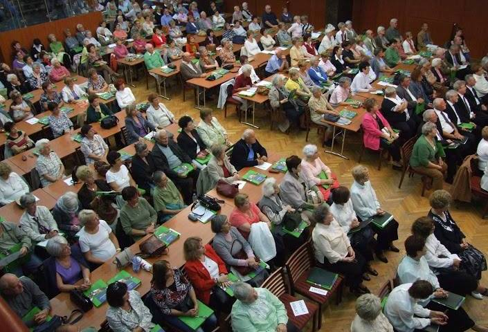 Expanding Hungarian Senior Academy Program in Central-Eastern Europe