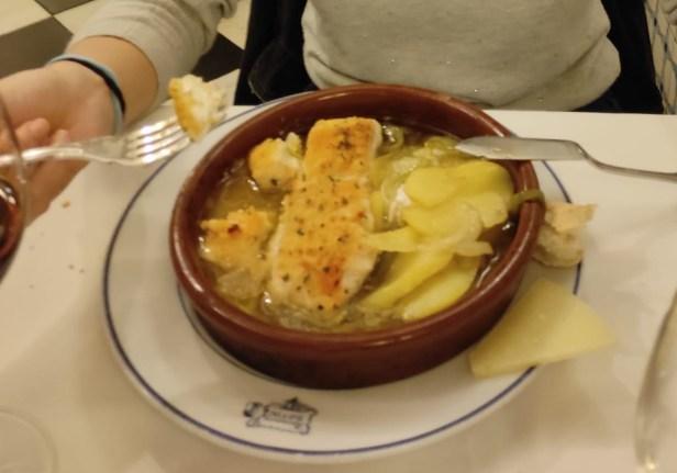 Merluza al horno con patatas (Restaurante Botín)
