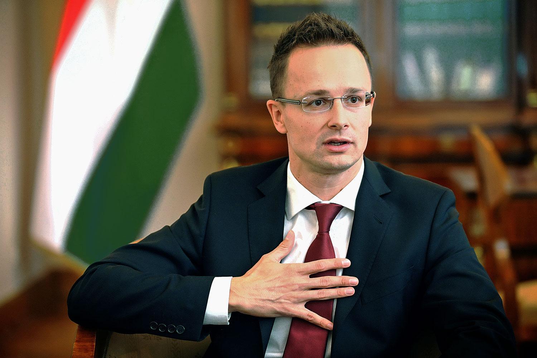 Ungarischer Außenminister: Ungarn steht besonders solidarisch an der Seite Deutschlands