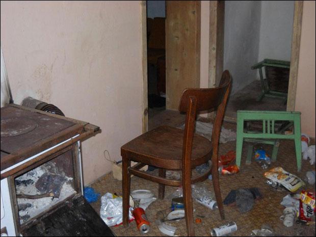 Illegale Migranten fielen in serbische Wochenendhäuser ein und zerstörten diese völlig