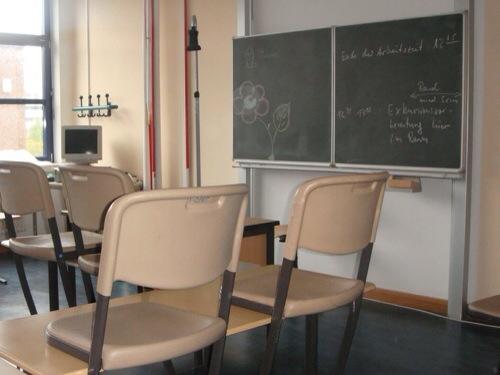 Wieder Vortrag von FPÖ-Hasser in Schule: Referent gibt Erhalt von Gage zu