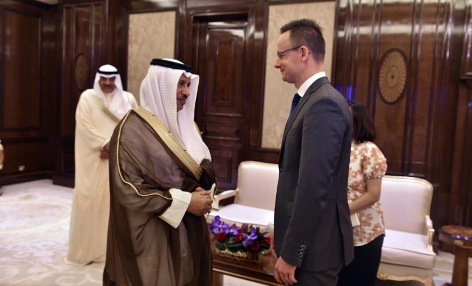 Orbáns Außenminister will ein Visafreiheits-Abkommen zwischen der EU und Kuwait