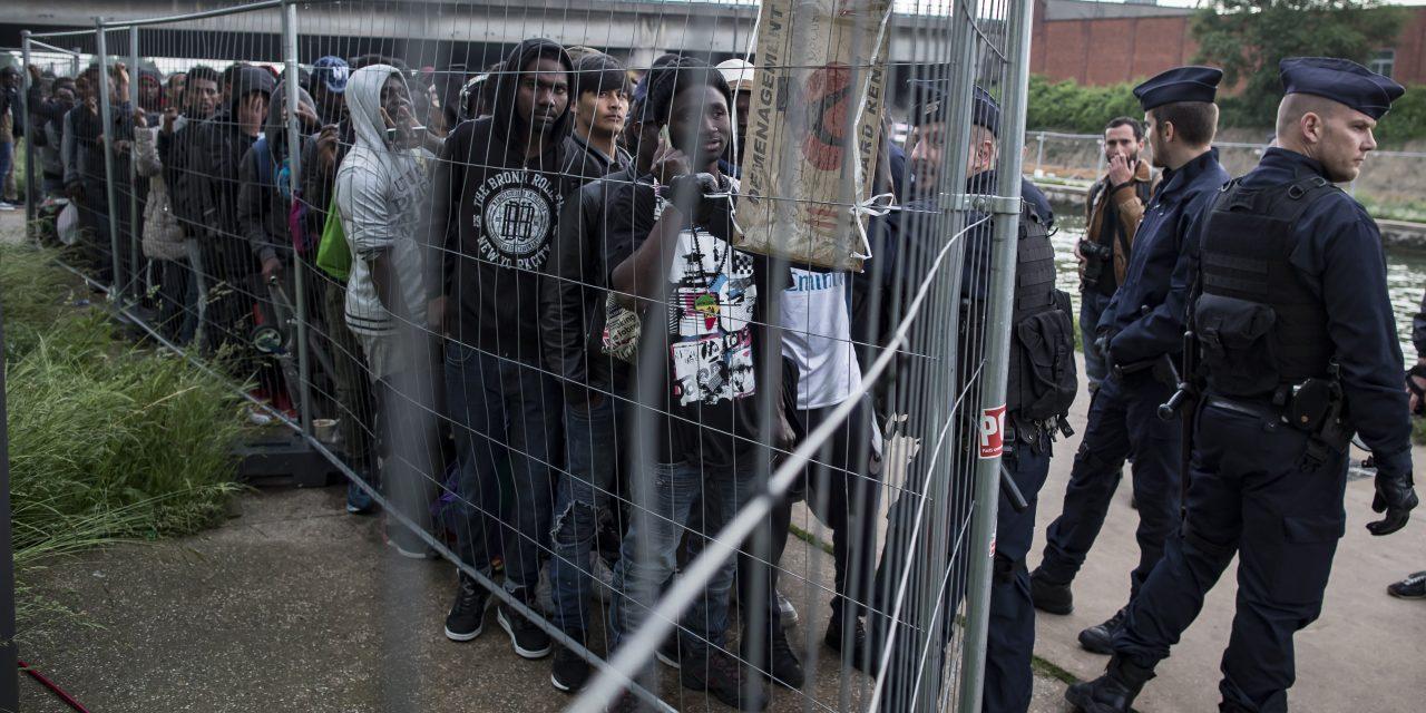 Stop-Soros kriminalisiert das Bewerben illegaler Migration