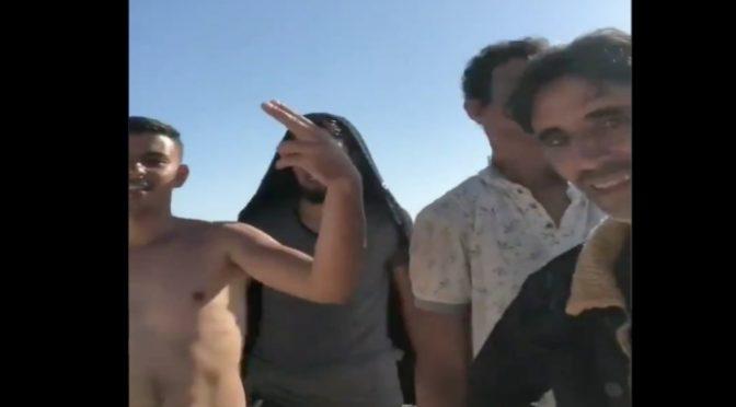 Lampedusa: nielegalni imigranci z Tunezji świętują, hotspot Covid zamienia się w dyskotekę (wideo)